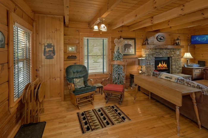 Smoky Mountain Cabin with Fully Equipped Kitchen - Lazy Retreat