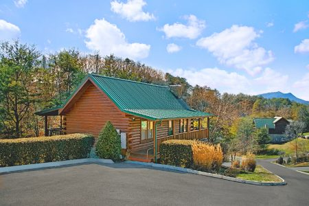 Ain't Misbehavin': 2 Bedroom Sevierville Cabin Rental