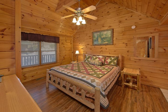 Cabin with King Bed - Lil Cajun Cabin