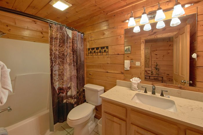 Cabin with Hot Tub - Lil Cajun Cabin