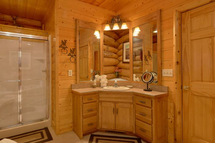 Luxury Cabin with Spacious, Private Bathrooms - Lodge Mahal