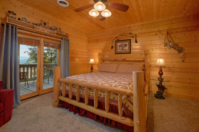 Cabin with 4 King Suites and Private Bathrooms - Lodge Mahal