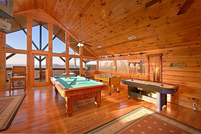 Exceptionnel ... Cabin With Pool Table U0026 Air Hockey Table   Lucky Break ...