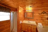 Premium 2 Bedroom Cabin with a Walk-in Shower