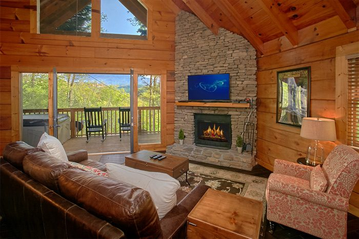 Luxury 2 Bedroom Cabin with Stone Fireplace - Lucky to be with View