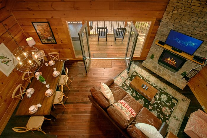 Luxury 2 Bedroom cabin with Loft and View - Lucky to be with View