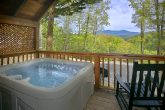 Luxury Cabin with Mountain View and Hot Tub