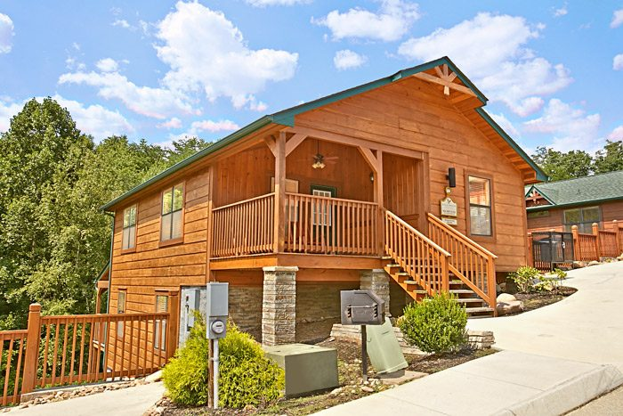 3 Bedroom Cabin Near Dollywood Gatlinburg