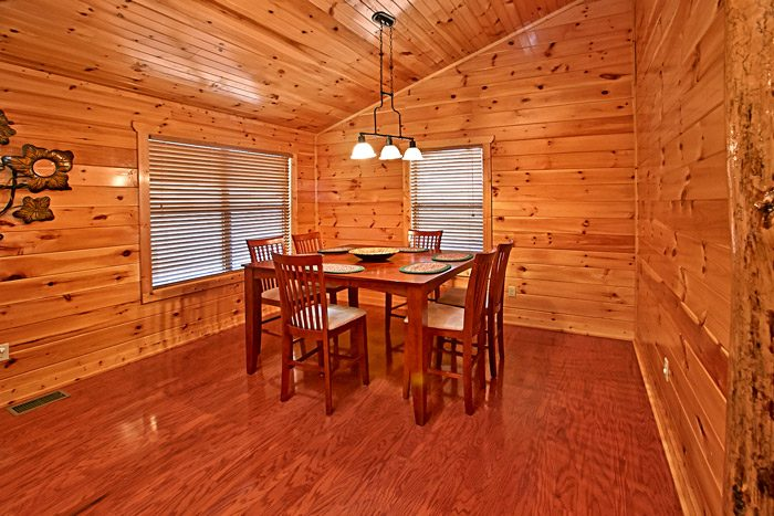 Smoky Mountain Cabin Rental with Dining Room - Made in the Shade