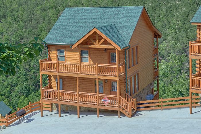 5 bedroom black bear ridge resort cabin for Bear ridge cabin rentals