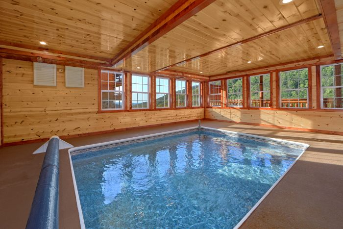 5 Bedroom Cabin with a Private Indoor Pool - Makin' Waves