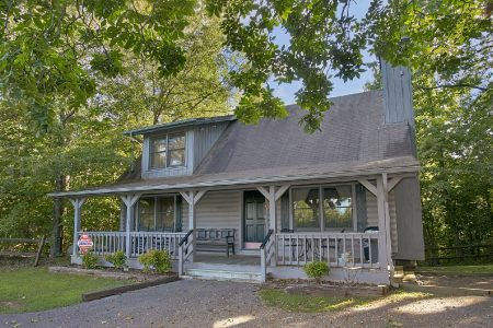 Get-n-Lucky: 1 Bedroom Gatlinburg Cabin Rental