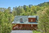 Private 3 Bedroom cabin with wooded view