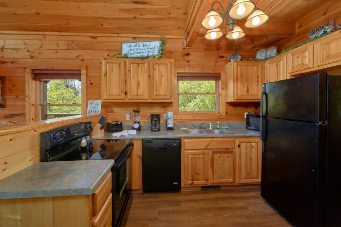 Family cabin with 3 bedrooms and full kitchen - Memory Maker
