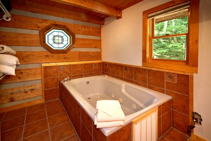 Smoky Mountain Cabin with Indoor Jacuzzi Tub - Mi Cabana