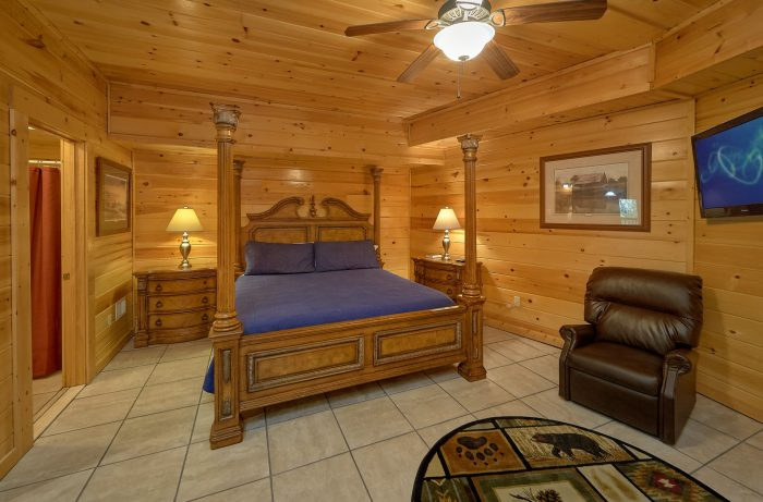 Large Game Room 4 Bedroom Gatlinburg Sleeps 8 - Mistletoe Lodge