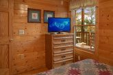 2 Bedroom Cabin main Floor Bedroom Sleeps 6