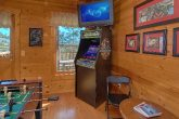 2 Bedroom CabinWith Arcade game Sleeps 6