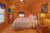 Luxury 3 bedroom Cabin with King Bedroom