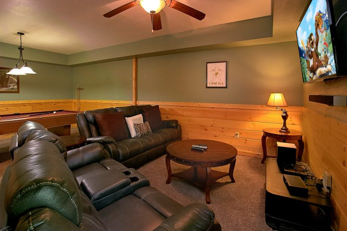 3 Bedroom Cabin with Theater Room and Game Room - Moonshine Inn