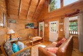 Cabin that offers Dining Seating for 4