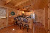 3 bedroom Cabin Sleeps 9 Fully Equipped Kitchen