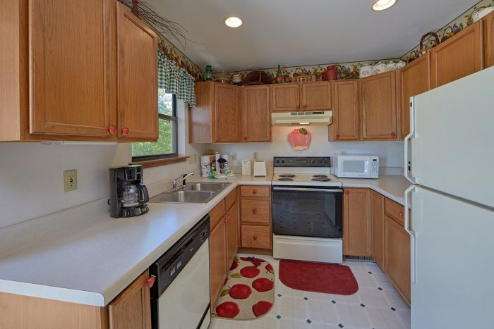 Fully Furnished Kitchen in 2 Bedroom Cabin - Mountain Breeze