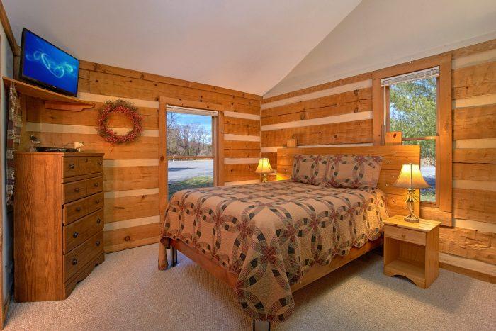 4 Bedroom Cabin with 4 Queen Beds - Mountain Crest