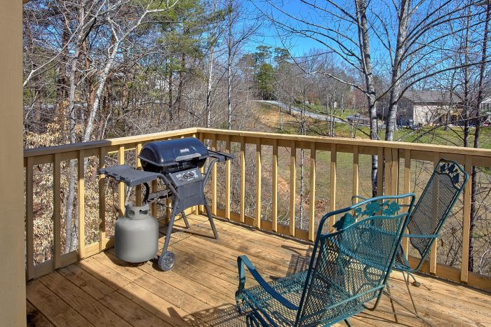 4 Bedroom Cabin with a Gas Grill on Private Deck - Mountain Crest