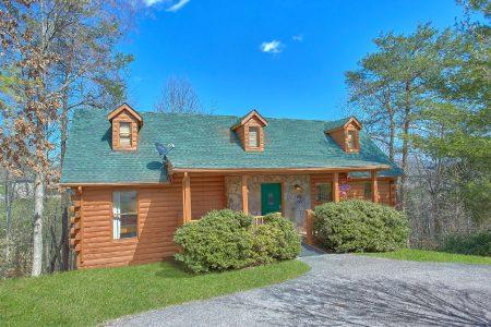 Eagles Rest: 4 Bedroom Sevierville Cabin Rental