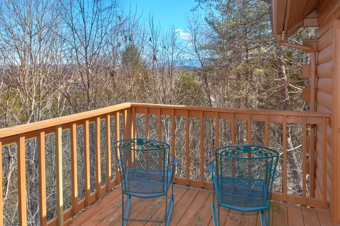 Smoky Mountain 4 Bedroom Cabin with a View - Mountain Destiny