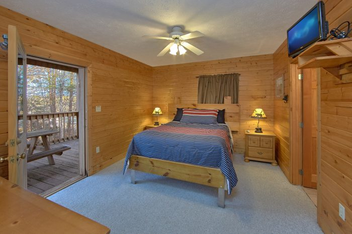 4 Bedroom cabin with 3 Queen Bedrooms - Mountain Fever