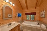 2 Bedroom cabin with a jacuzzi tub