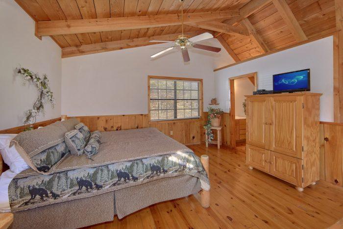 1 Bedroom with Extra Bedroom in Loft - Mountain Hideaway