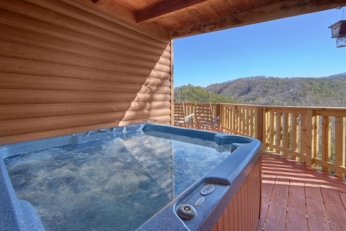 1 Bedroom Cabin Sleeps 6 with Private Hot Tub - Mountain Hideaway