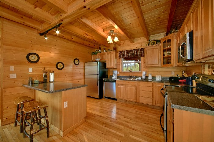 4 Bedroom Cabin with Oversize, Luxury Kitchen - Mountain Majesty