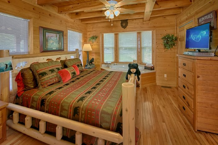 4 Bedroom Cabin with Private Master Bedroom - Mountain Majesty