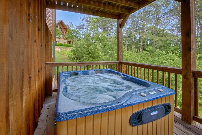 4 Bedrom Cabin in Wears Valley with Hot Tub - Mountain Majesty
