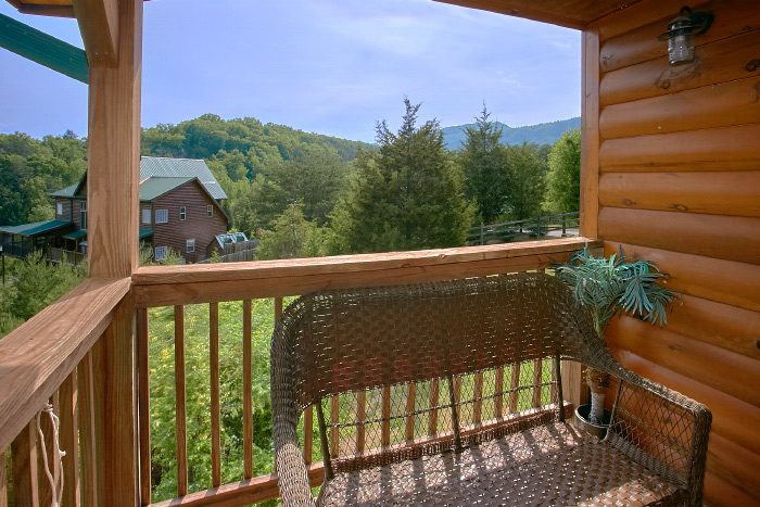 Premium Wears Valley Cabin with Porch Swing - Mountain Majesty