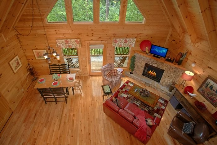 Spacious 2 Level Cabin with Fireplace - Mountain Star