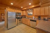 5 Bedroom Cabin Sleeps 11 with Beautiful Kitchen