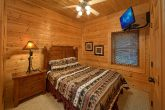 5 Bedroom Cabin with Main Floor Bedroom