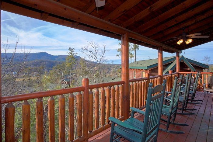 Relaxation in 5 Bedroom Cabin with Views - Mountain Sunrise