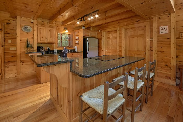 3 Bedroom Cabin with a Fully-Stocked Kitchen - Mountain Valley Dreams