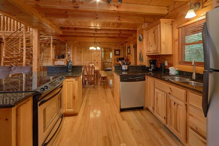 3 Bedroom Cabin with a Eat-In Bar - Mountain Valley Dreams