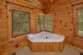 3 Bedroom Cabin with an In-Suite Jacuzzi Tub