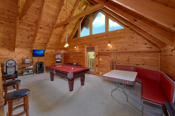3 Bedroom Cabin with a Game Room - Mountain Valley Dreams