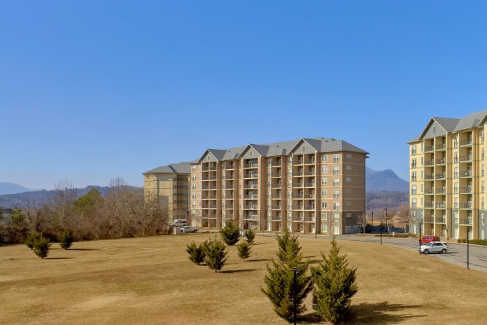 2 Bedroom Condo in Pigeon Forge - Mountain View 2704