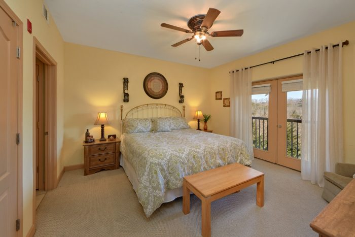 Premium Condo with Private bedroom and balcony - Mountain View 5305