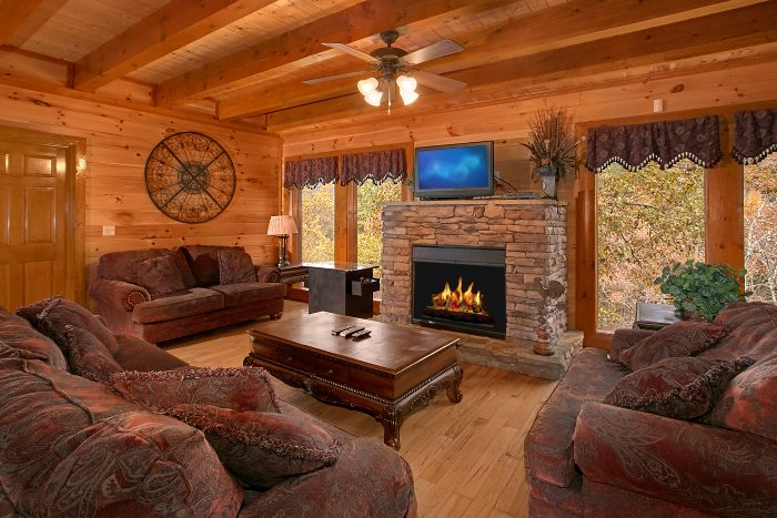8 bedroom luxury cabin rental cabins usa gatlinburg for 8 bedroom cabins in gatlinburg